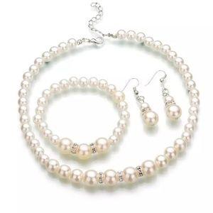 Jewelry - GORGEOUS DIVA NECKLACE SET NEW